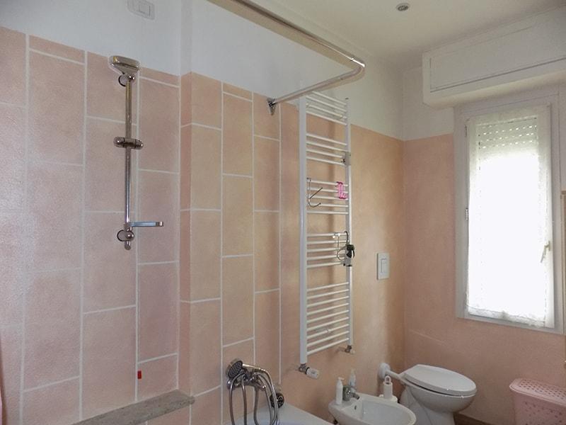 ristrutturare un bagno di tags » ristrutturare un bagno di piccole ... - Arredo Bagno Meda